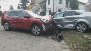 Zderzenie na osiedlowym skrzyżowaniu. Jedna osoba została ranna