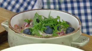 Pomysł na śniadanie czyli owsianka z rabarbarem, truskawkami i borówkami